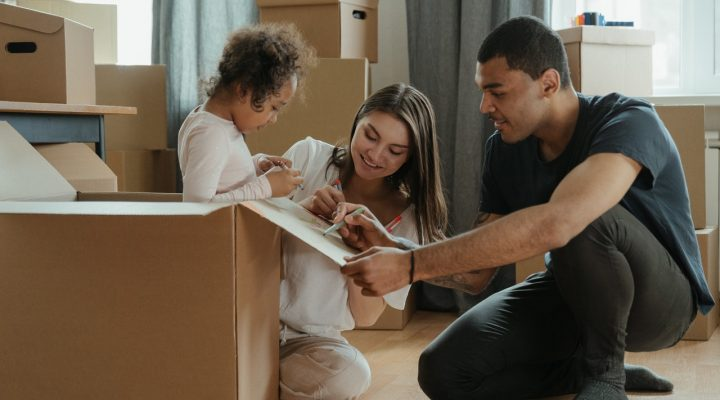 How to organize a family relocation to Bayonne, NJ?